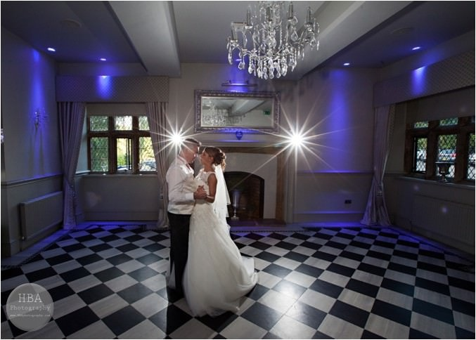 Clare_and_Jason's_wedding_photos_at_Weston_Hall_Staffordshire_by_HBA_Photography_page__0022