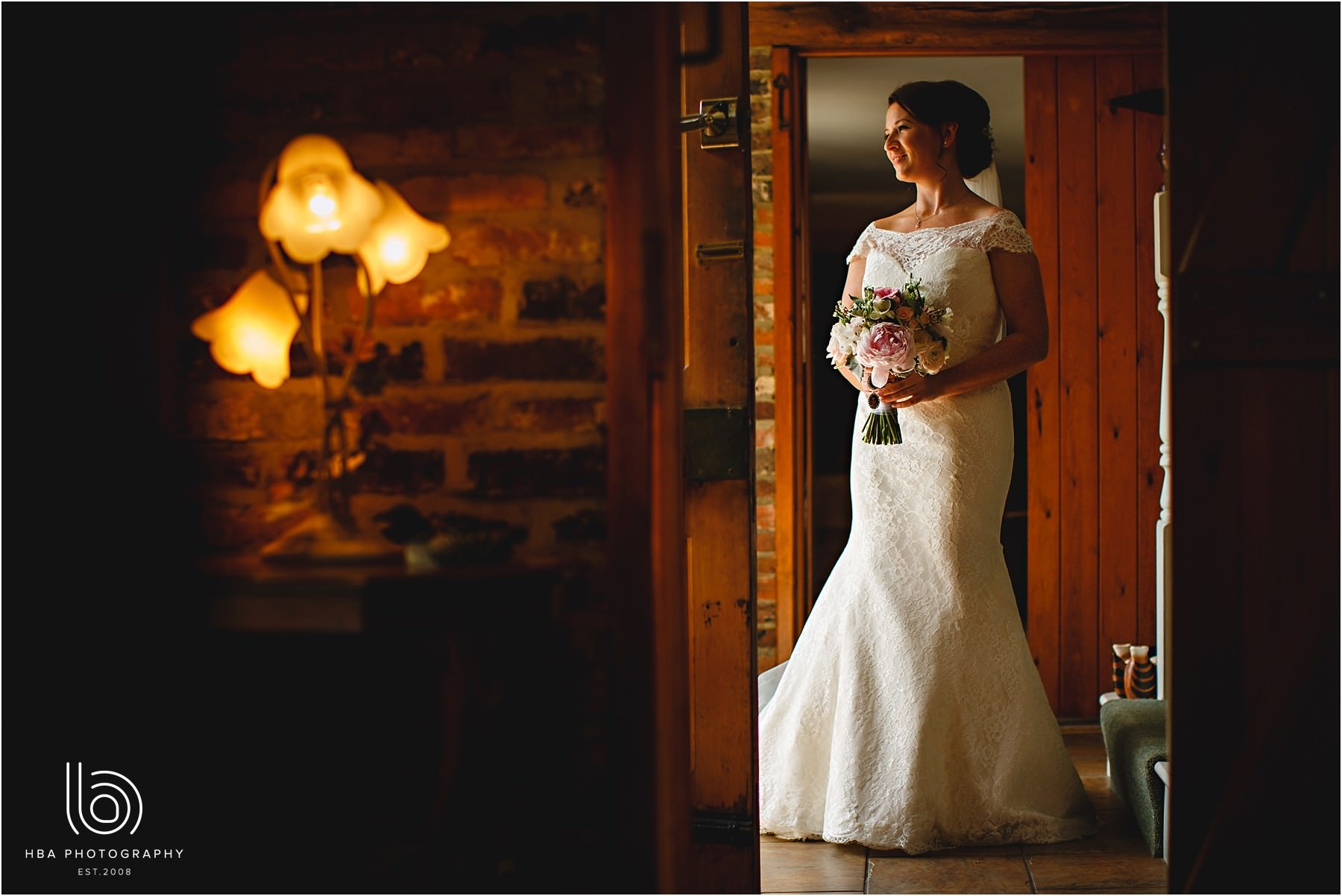 Shustoke_Farm_Barns_Wedding_Photos_Emma_Tom_0011