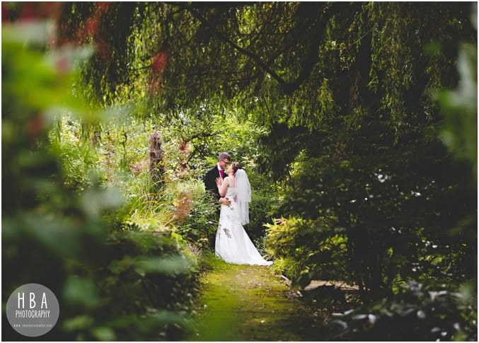 Jess_and_Toms_wedding_photos_at_East_Lodge_Country_House_by_HBA_Photography__0014